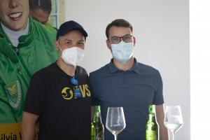Markus Laimer begleitete seinen Freund den Drittplatzierten Markus Mayer zur Gewinnfeier in die Rotationshalle der Athesia.